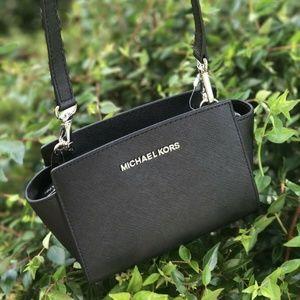 MICHAEL KORS BLACK SELMA MINI XBODY Leather  Bag